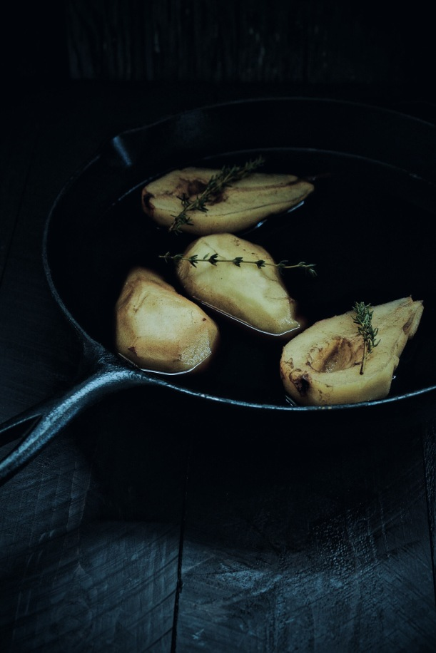 Balsamic Poached Pears with Honey and Thyme